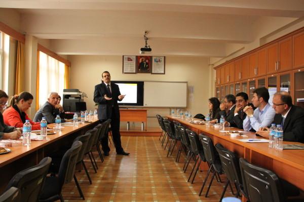 Präsentation zur Situation junger Lehrkräfte in Bursa